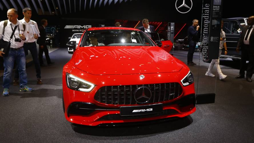 Mercedes-AMG GT 43 4 Kapılı Coupe Paris'te