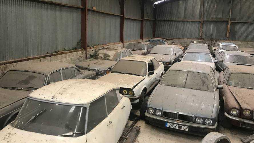 39 clásicos abandonados en Calais, listos para ponerse a la venta