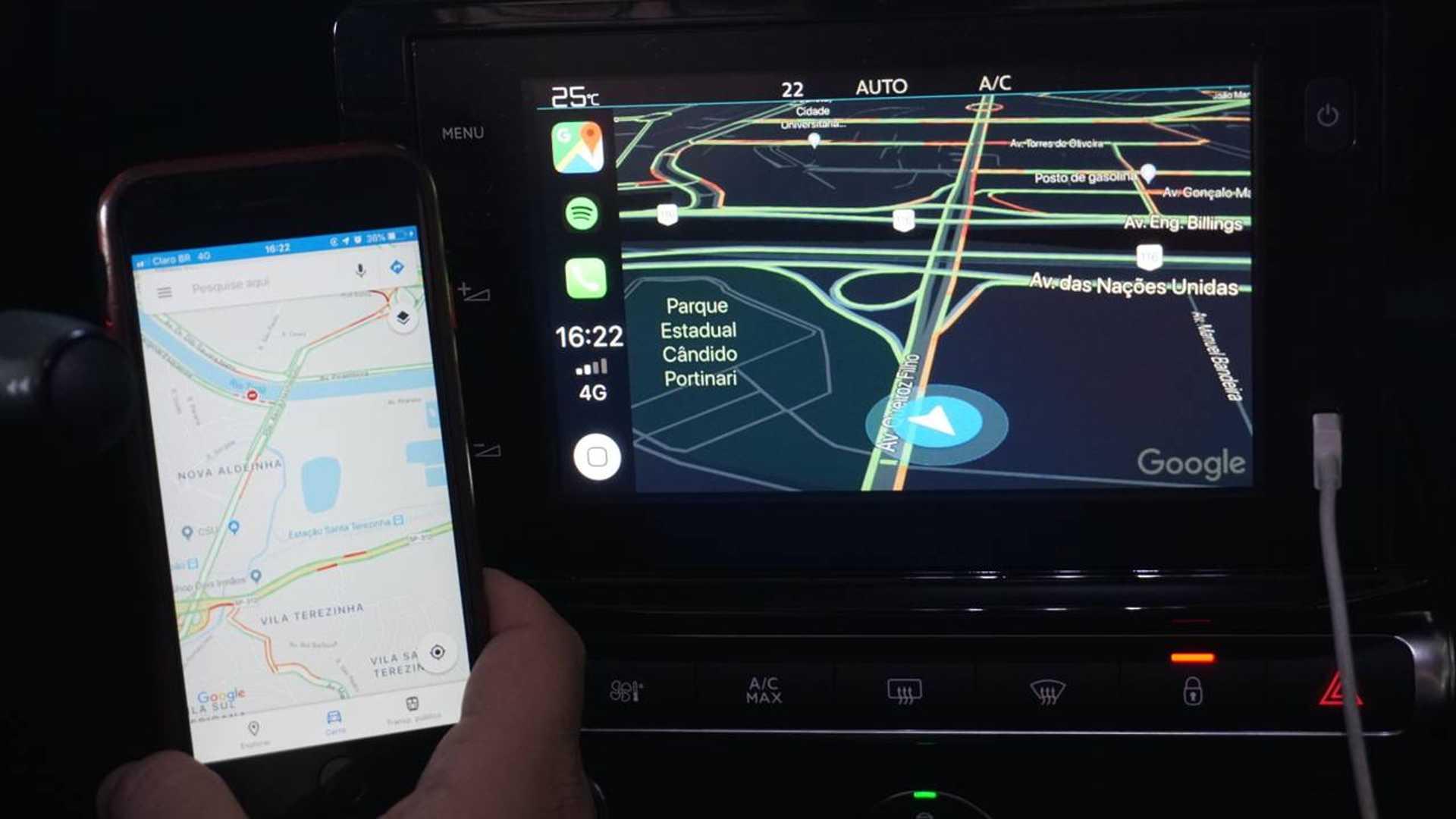 Apple CarPlay começa a espelhar Google Maps e Waze