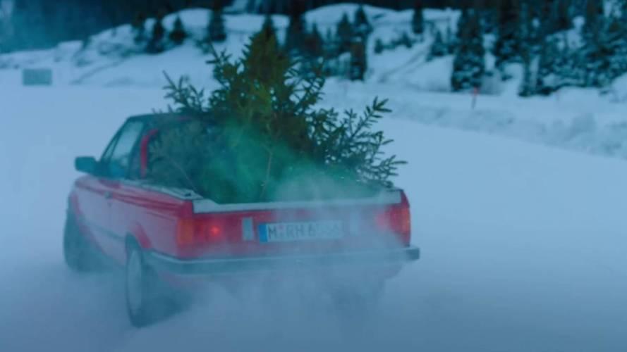 Hasznos tipp karácsonyra: ne BMW M3 E30 pickuppal szállítasd a fát!