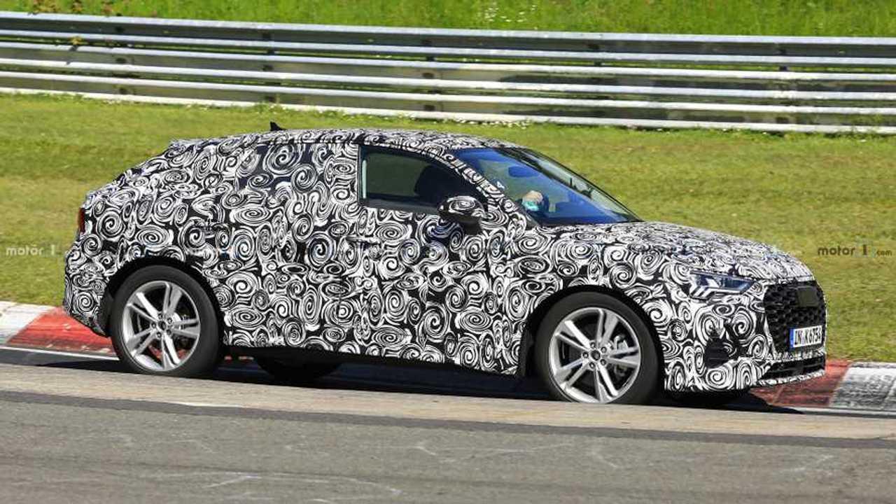 Новый купе-кроссовер Audi Q4 вновь показался на тестах
