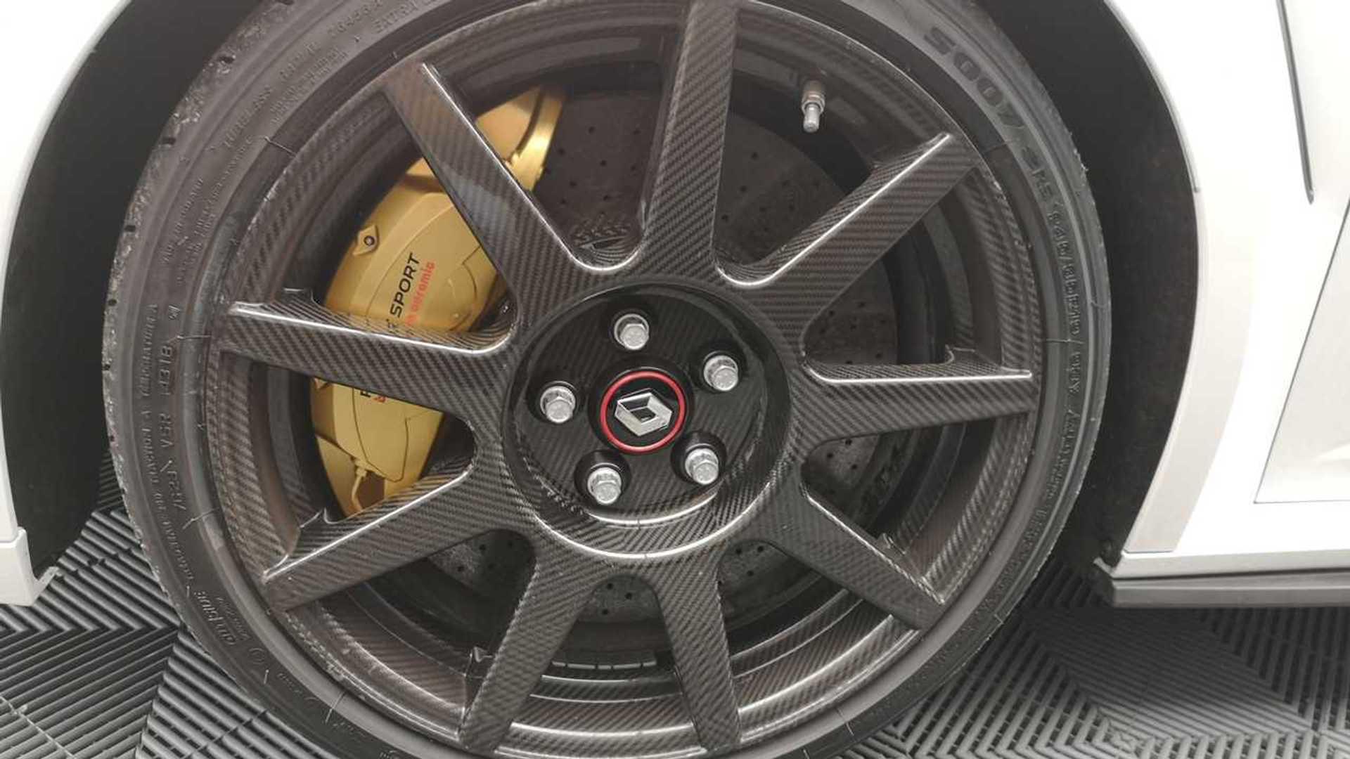19 inch carbon rims