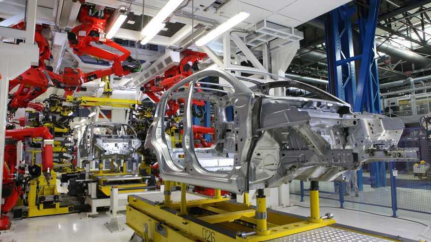 Auto elettriche, nel 2030 l'e-Mobility italiana varrà 100 miliardi