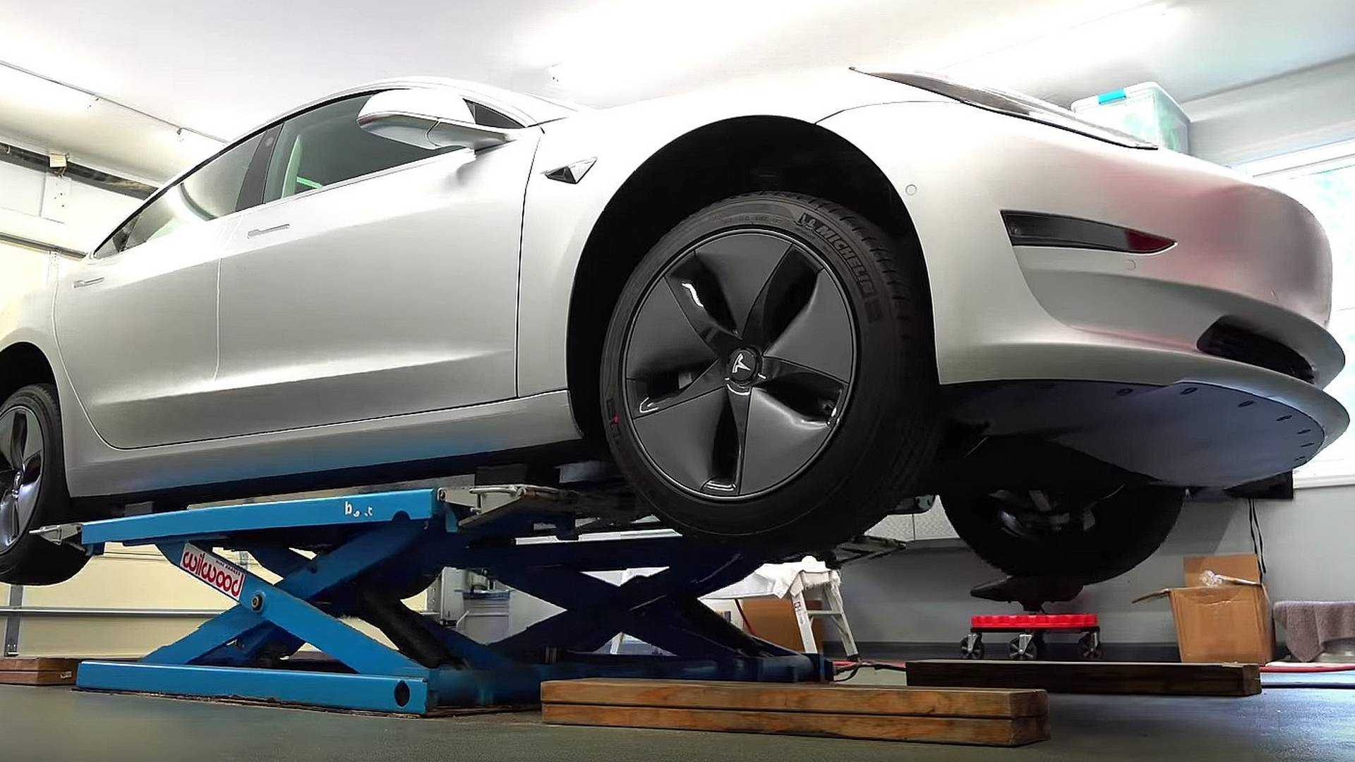 Are Tesla Model 3 Paint Jobs Really Problematic?