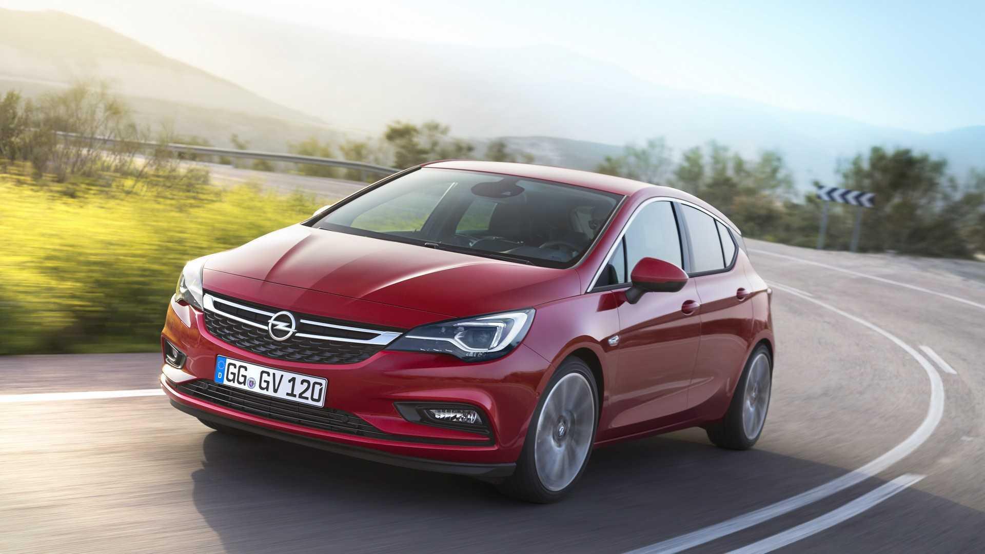 Opel Astra Facelift дебютирует с тонкой модернизацией, крупными техническими обновлениями