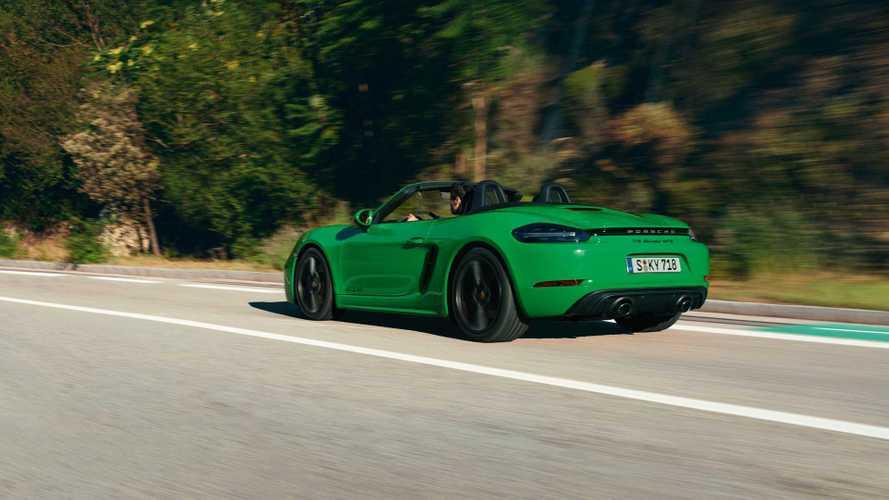 Новые версии Porsche Cayman и Boxster идентифицировали в рублях