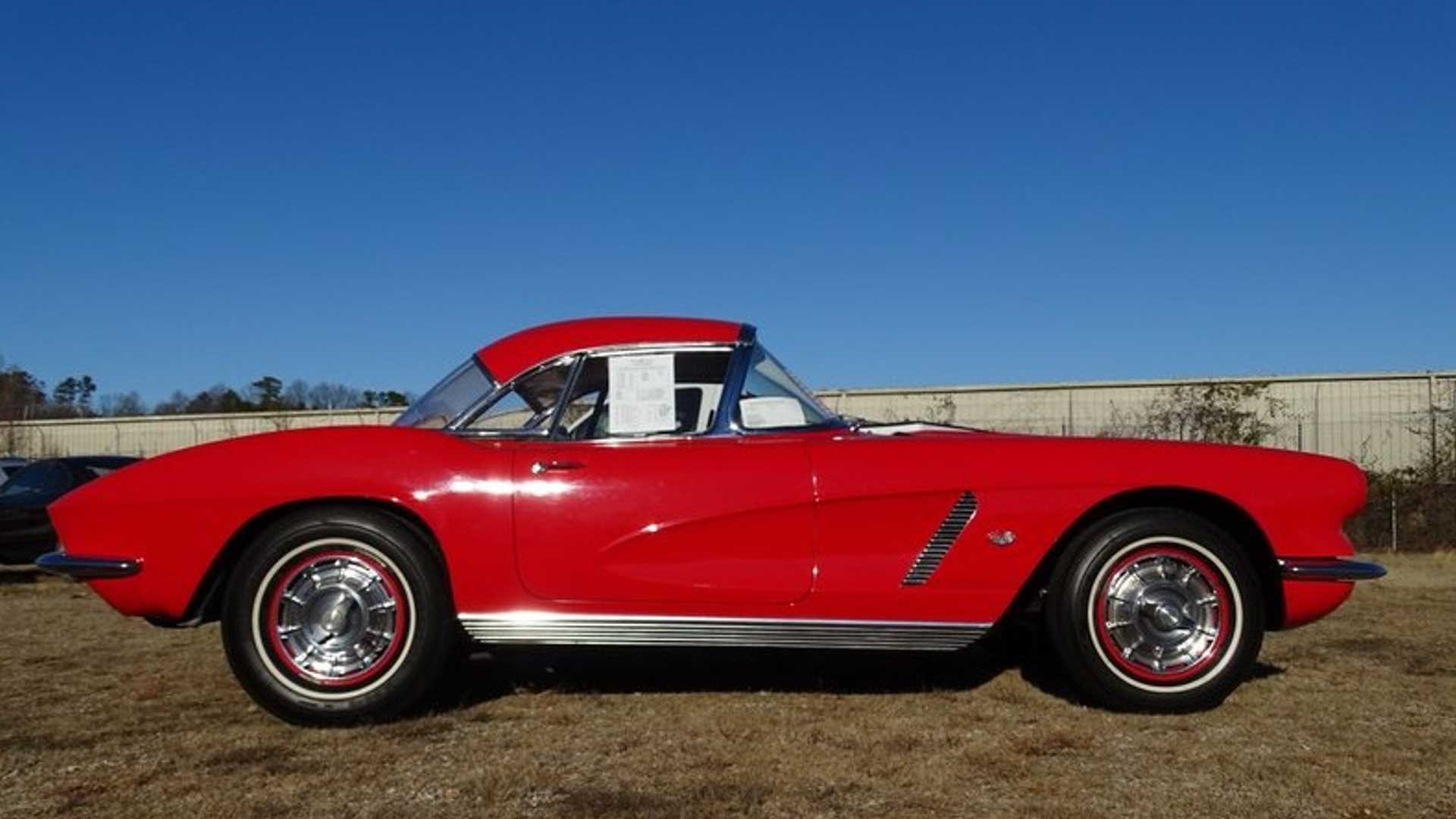 "[""Place Your Bid On This Stunning One-Owner 1962 Corvette Big Tank""]"