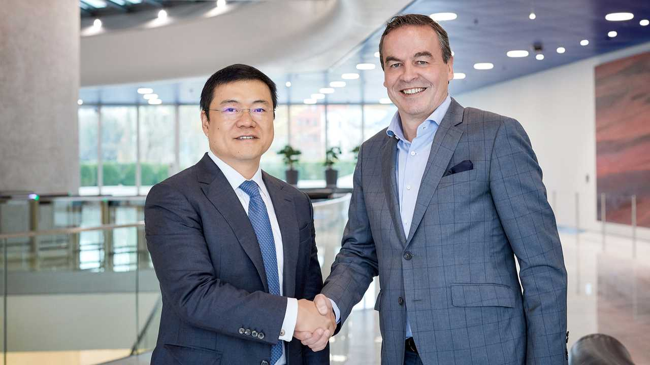 BMW Group: Supply contract with Ganfeng for sustainable lithium