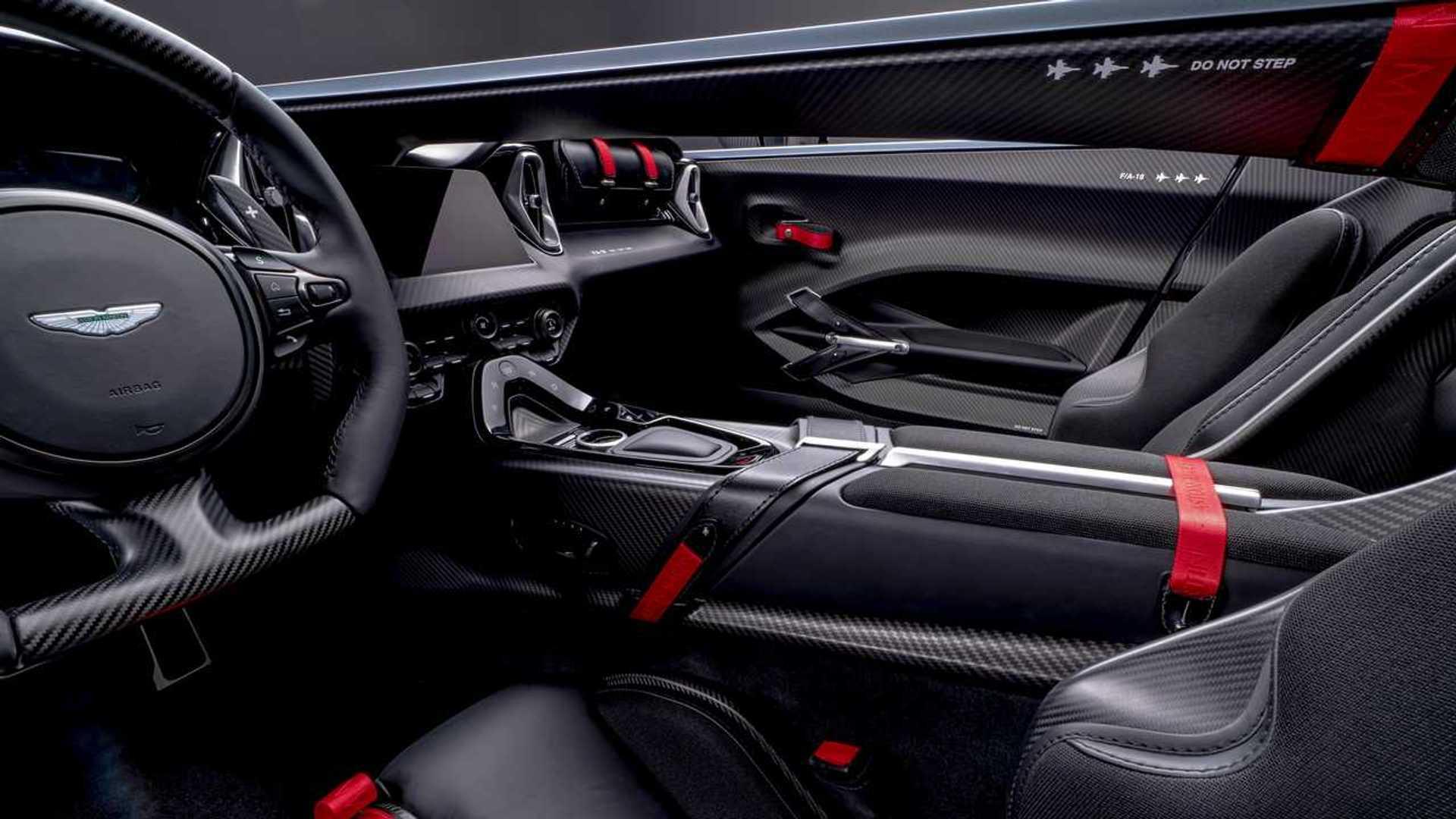 Aston Martin V12 Speedster 2021 Hanya Dibuat 88 Unit Dengan Harga 15 Milyar
