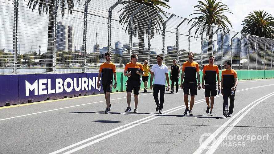 """Sainz: """"Creo que la temporada 2020 rondará las 10 carreras"""""""