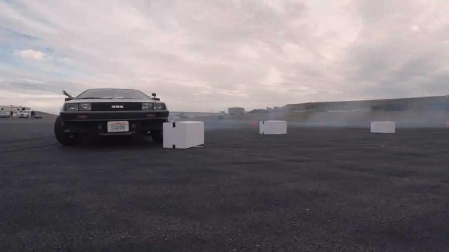 Дрифтовый беспилотный DeLorean из Стэнфорда