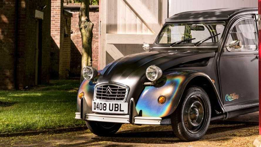 Look how the world's smallest food truck (a 2CV) was revealed!