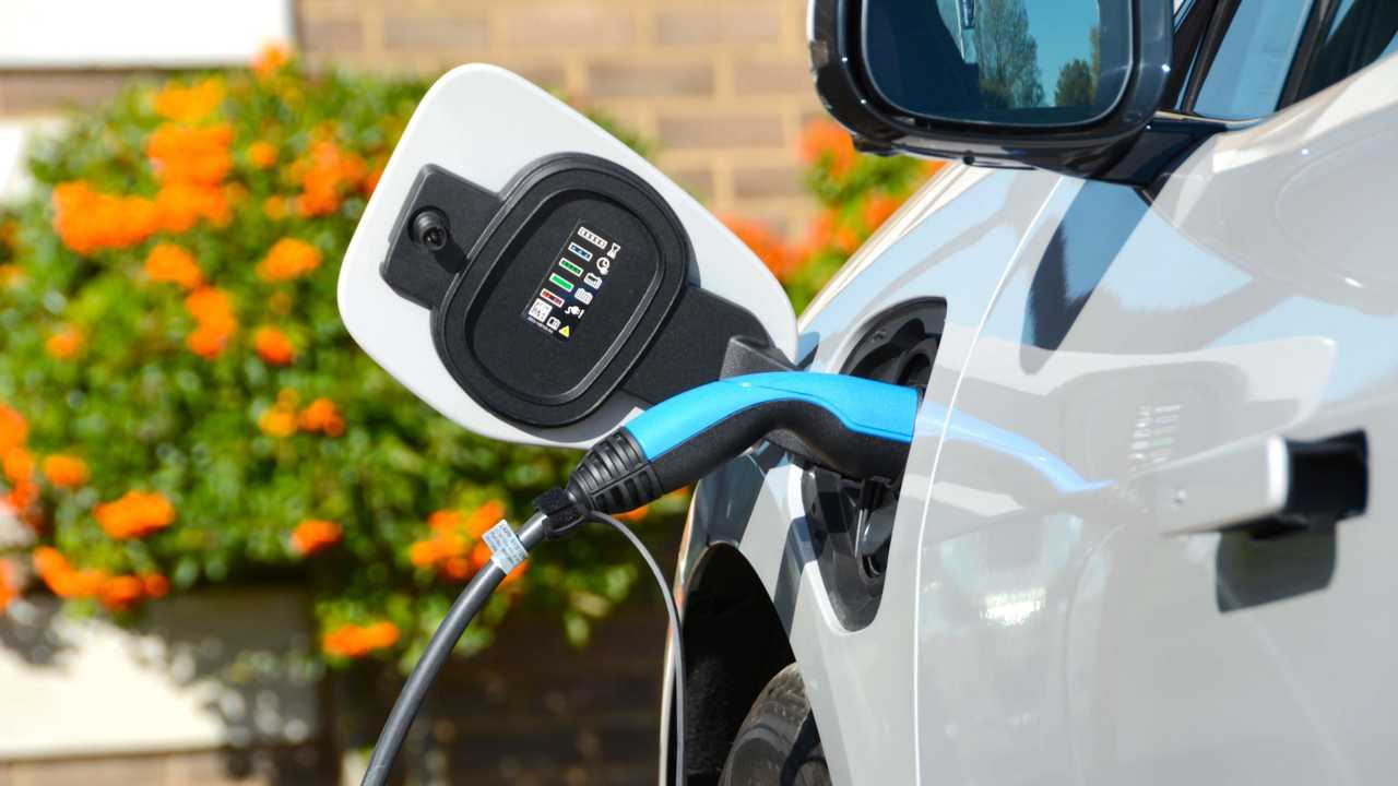DriveElectric's forecasts predict that almost 100,000 new pure electric vehicles will hit UK roads in 2020.