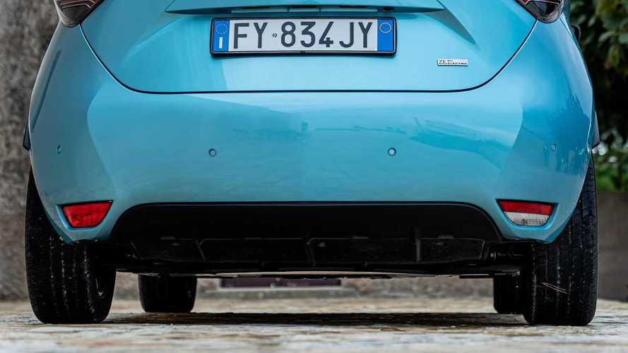 Incentivi auto fino a 18.000 euro e più accise sul diesel? È battaglia