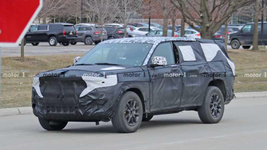 Flagra: Jeep Grand Cherokee de 7 lugares aparece pela primeira vez