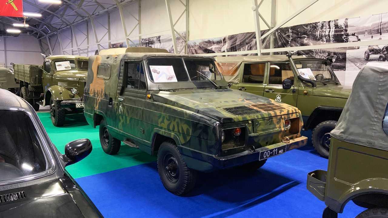 Vergessene Militärfahrzeuge der UdSSR: UAZ-3907 (Projekt