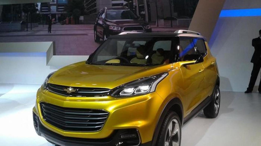 Chevrolet reveals Adra compact crossover concept at 2014 Auto Expo