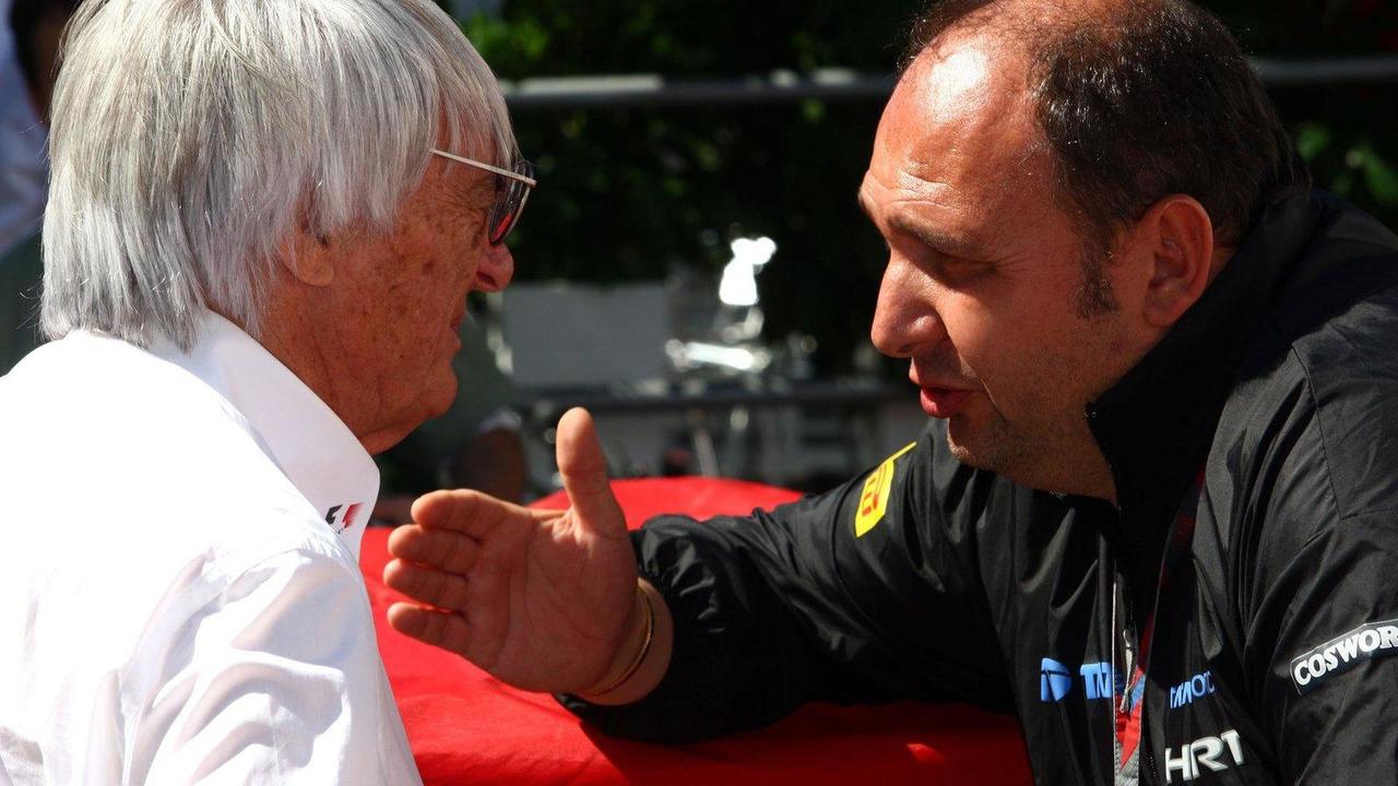 Bernie Ecclestone and Colin Kolles 24.11.2011 Brazilian Grand Prix