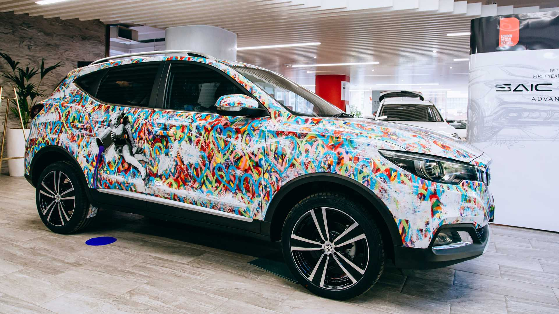 Mg Unveils Zs Art Car In London