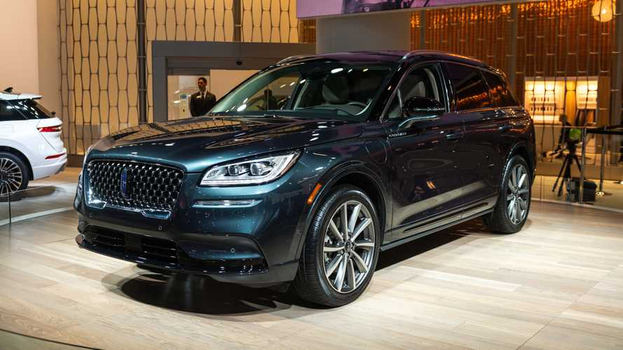 Lincoln Corsair Grand Touring Debuts As The Brand's Second Plug-In
