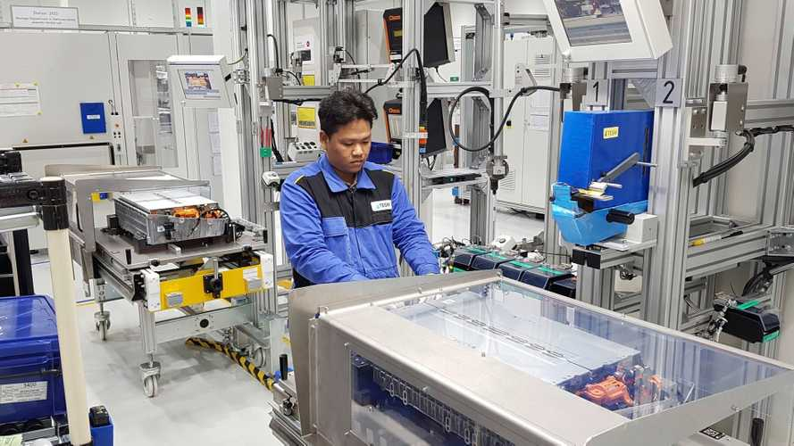 Mercedes-Benz Starts Battery Pack Production For PHEVs In Thailand