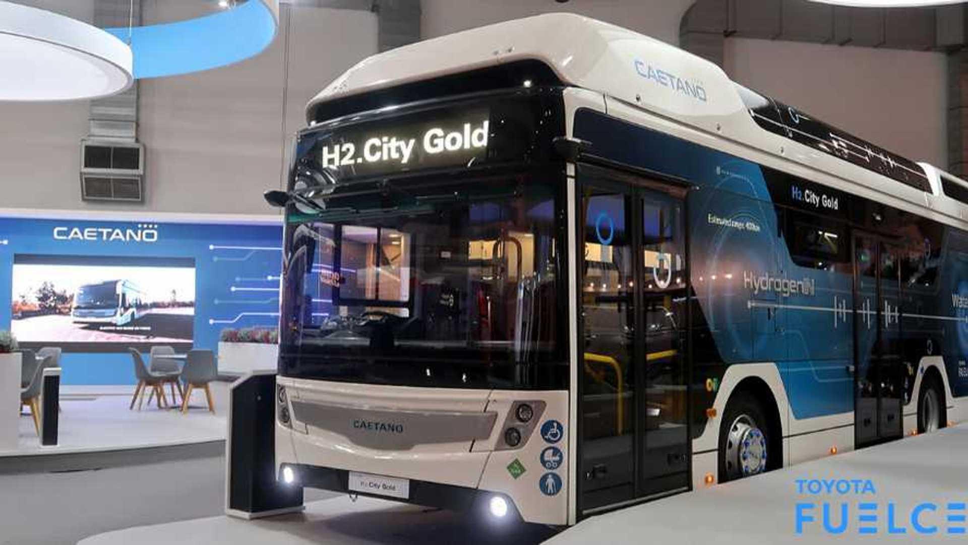 Wasserstoffbus mit Brennstoffzellen aus dem Toyota Mirai
