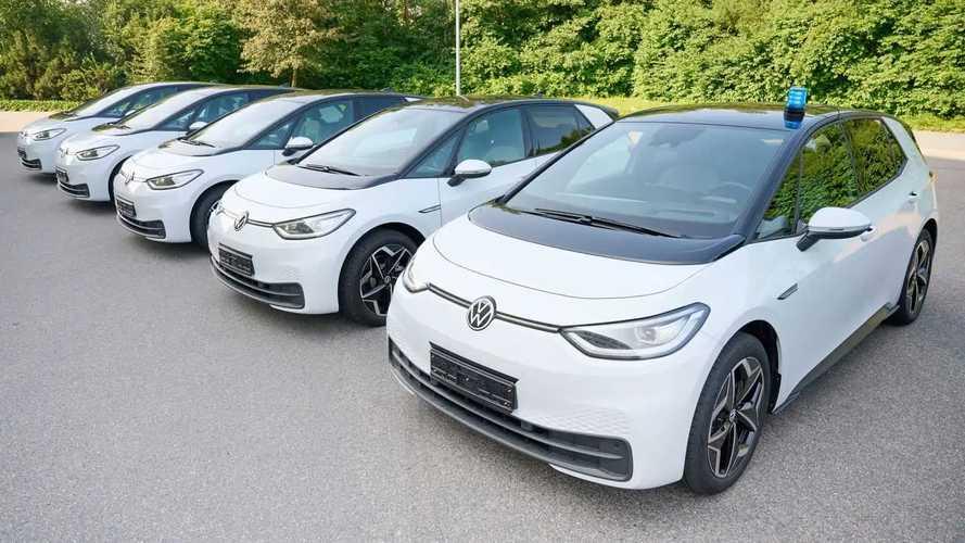 Polizei Niedersachsen fährt VW ID.3 (... und Passat GTE)