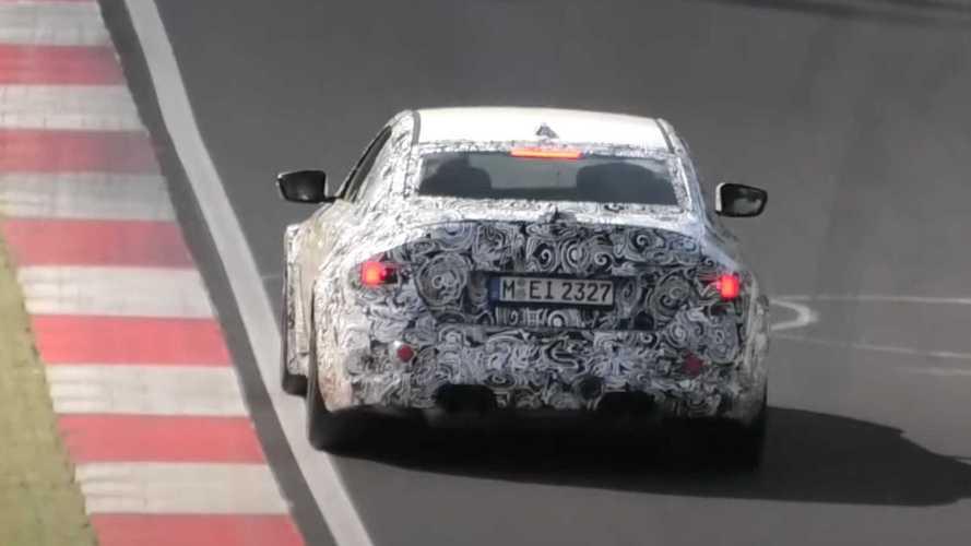 BMW M2 تجوب حلبة نوربورينج بالغطاء التمويهي