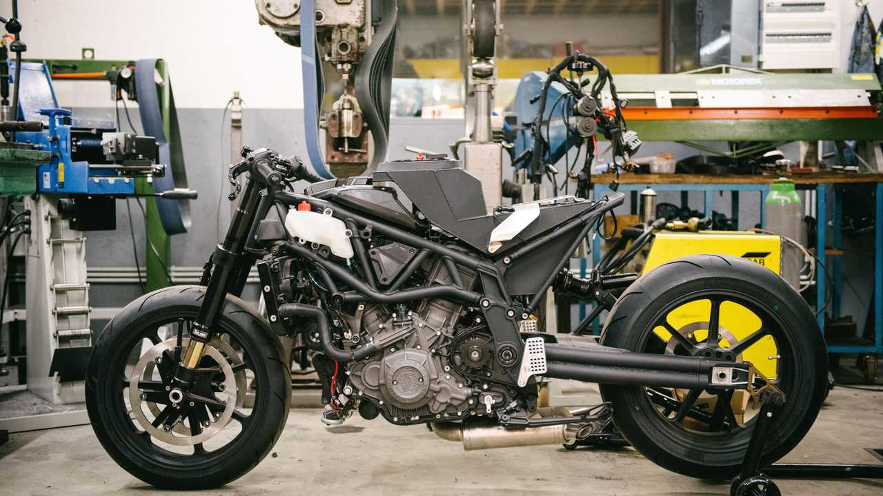 Workhorse Speed Shop - Black Swan and FTR AMA - In Progress 8