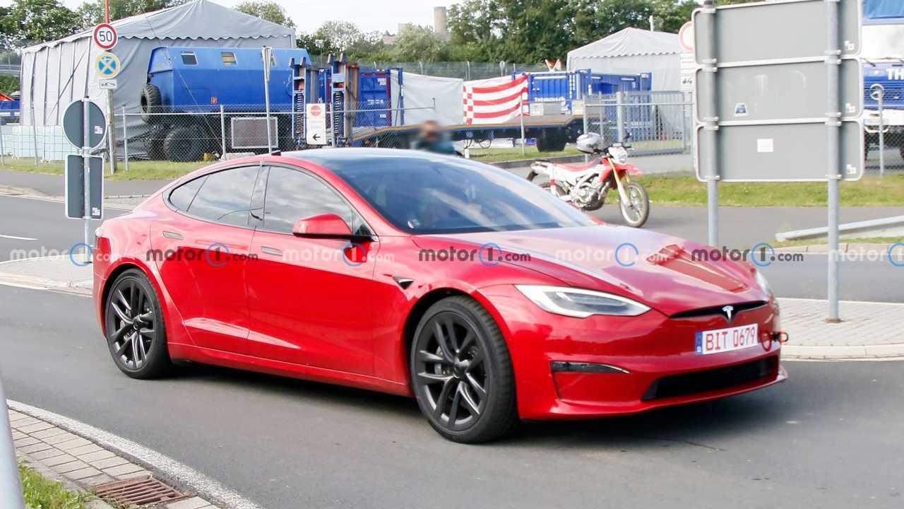 Tesla Model S Plaid au Nurburgring