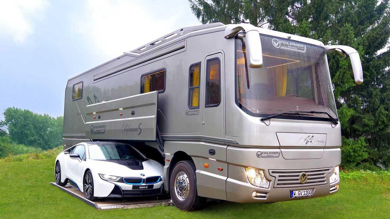 Volkner Mobil Performance - Trequarti anteriore garage aperto