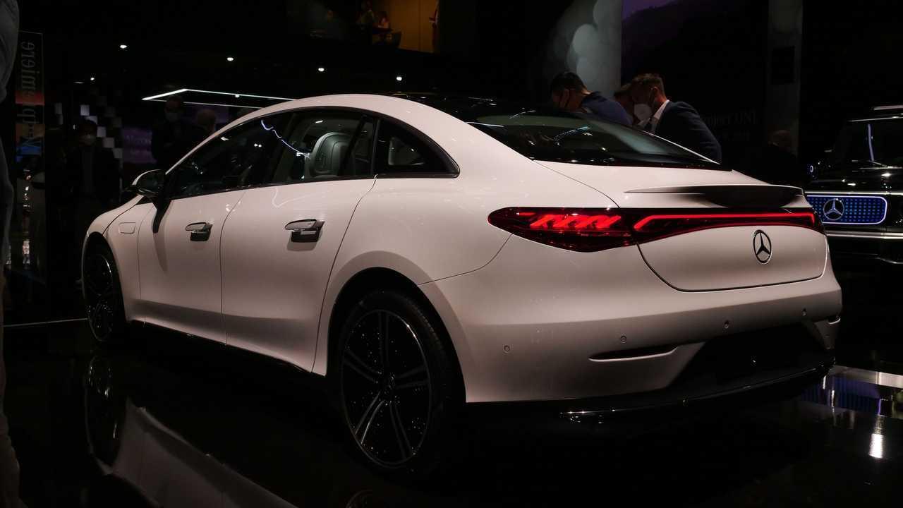 Photos en direct de la Mercedes EQE 350 de l'IAA 2021