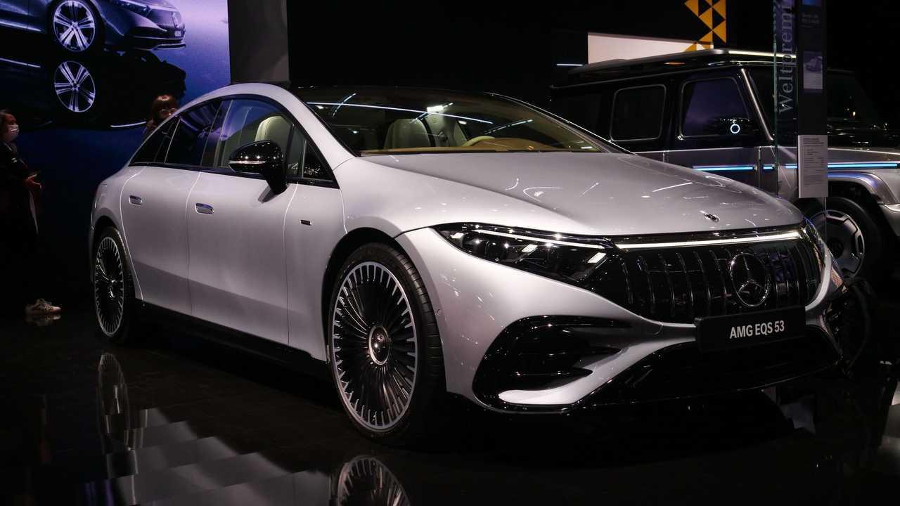 2022 Mercedes-AMG EQS all-electric performance sedan debuts.