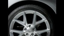I teaser della Nissan Maxima