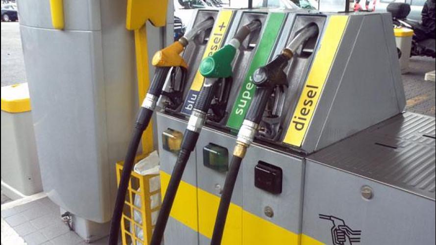 Benzina, fra batoste e scontri