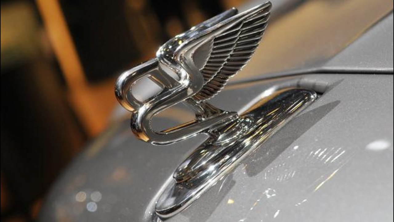 [Copertina] - Bentley al Salone di Parigi 2012: la conferenza stampa