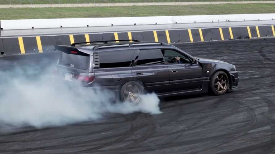 This Wild Nissan Stagea Wagon Kills Tires With Turbo V8 Power