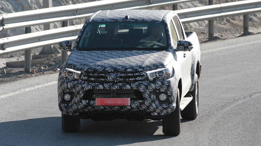 Nuovo Toyota Hilux, le prime foto
