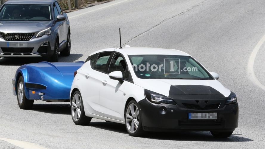 Makyajlı Opel Astra kameralara yakalandı