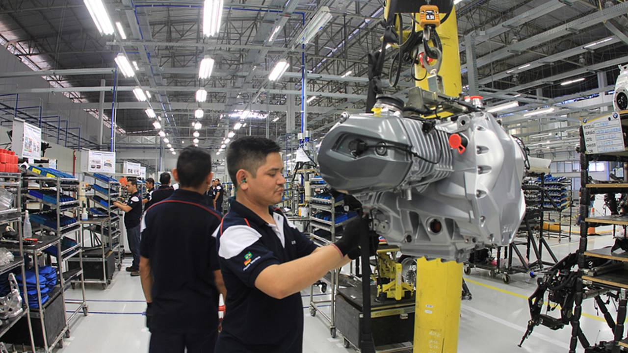 BMW Opens Plant in Brazil