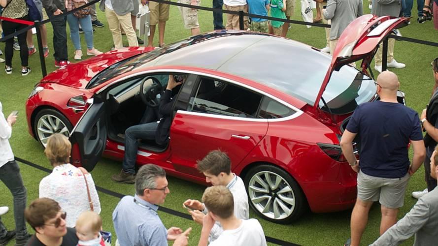 Tesla accélère sur la production de la Model 3