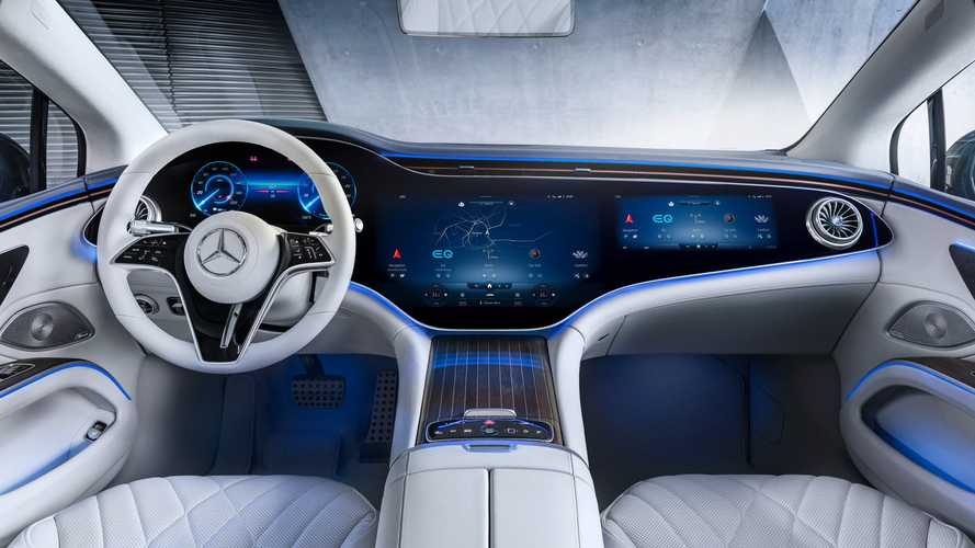 Mercedes-Benz EQS 2021: así es su interior 'todopantalla' al natural