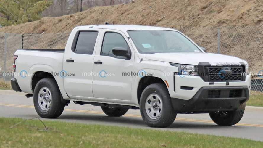 2022 Nissan Frontier S Caught On Camera Showing Its Base Model Attire