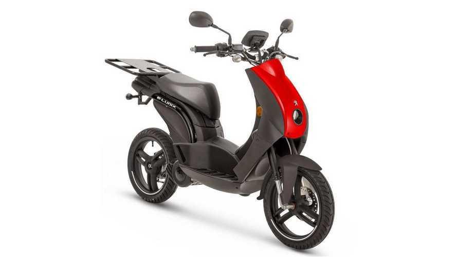 Scooter elétrico da Peugeot ganha versão para frotas comerciais