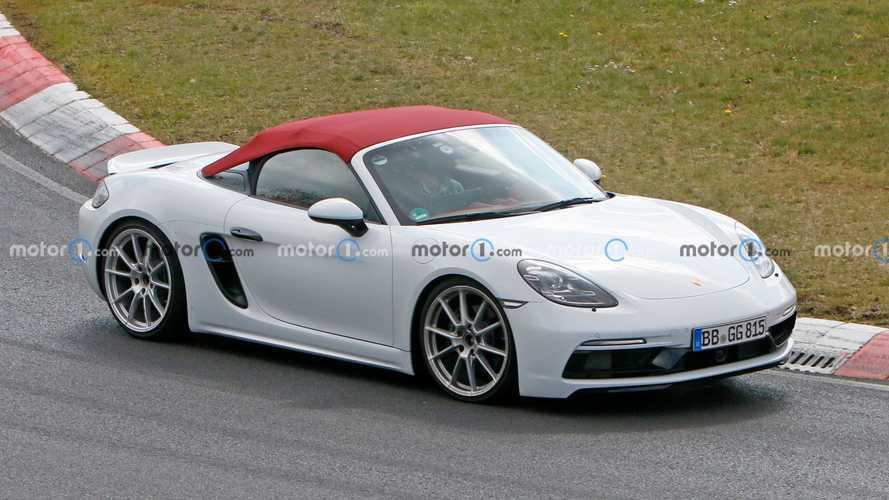 Porsche 718 Spyder dört silindirli motoruyla testte
