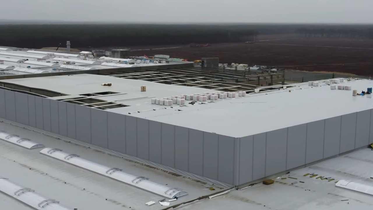La Gigafactory Berlino che Tesla sta finendo di costruire