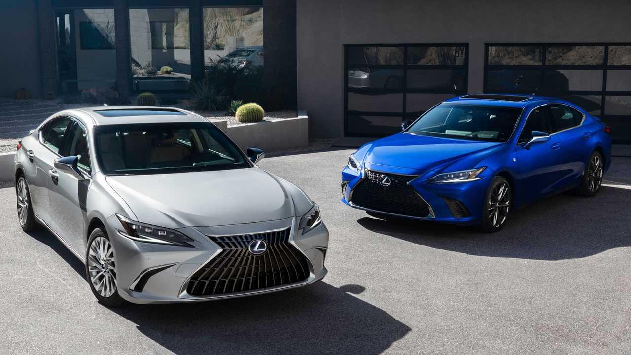 Facelift Lexus ES 2022 juga membawa peningkatan teknologi.