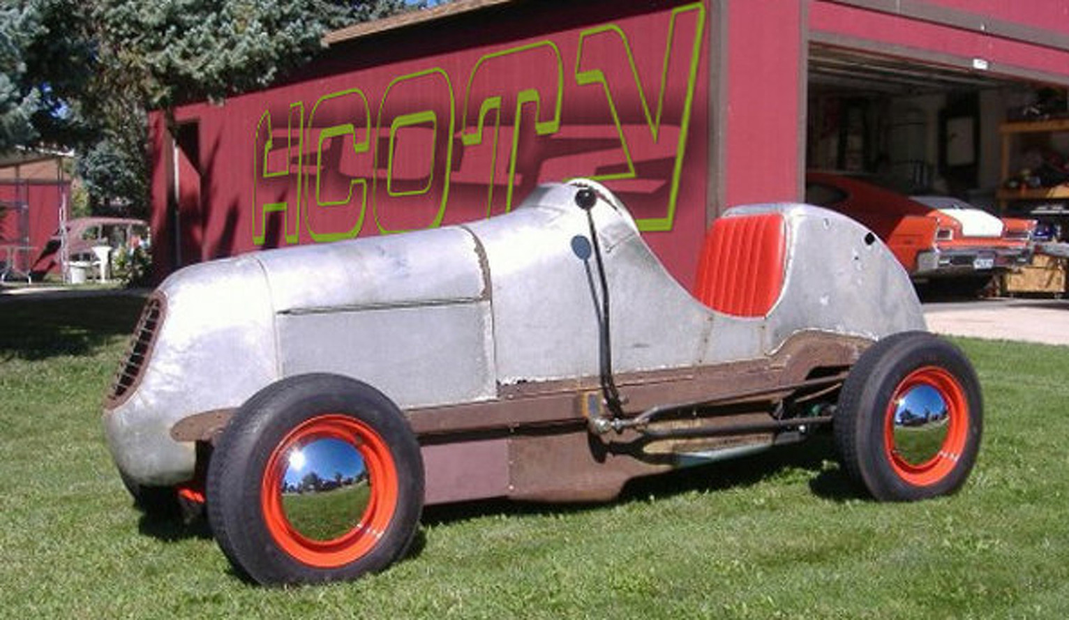Bold Hoons: Enthusiast-Bloggers Build Badass Electric Racecar