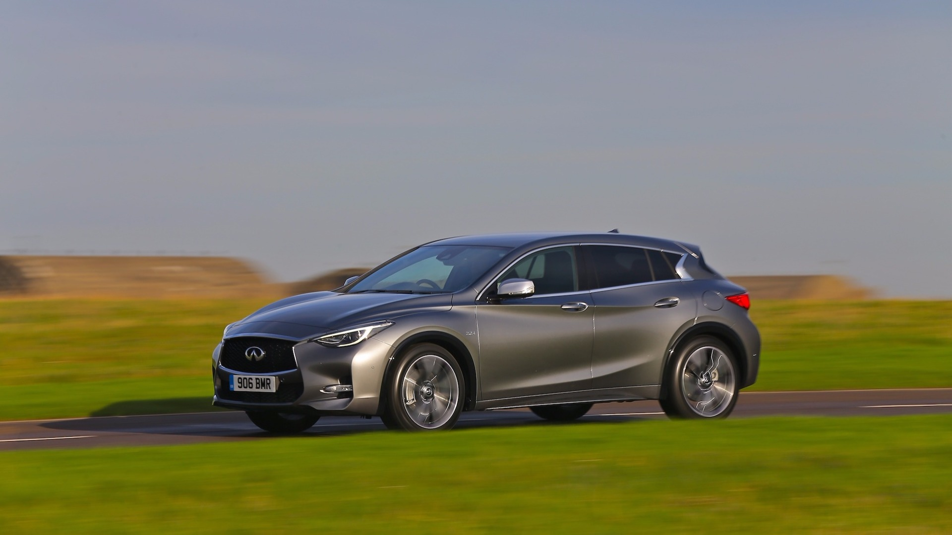 [Image: infiniti-q30-review.jpg]