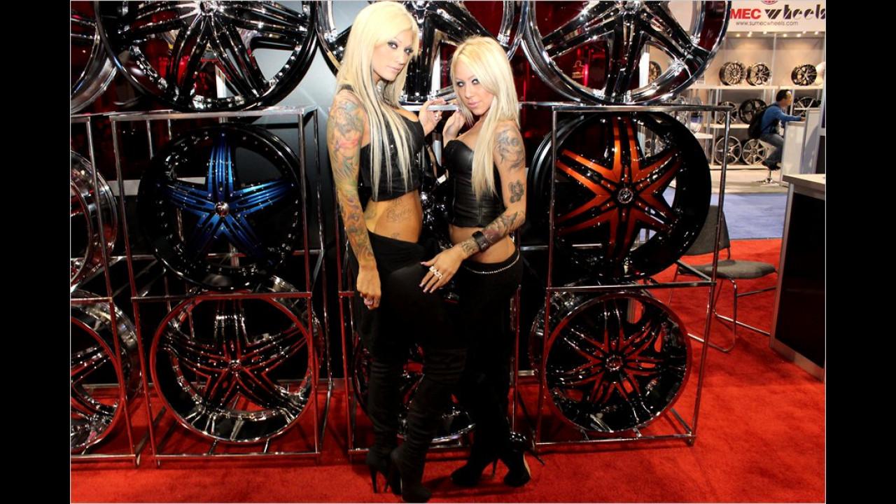 Diese beiden Blondinen stehlen den Chromfelgen die Show